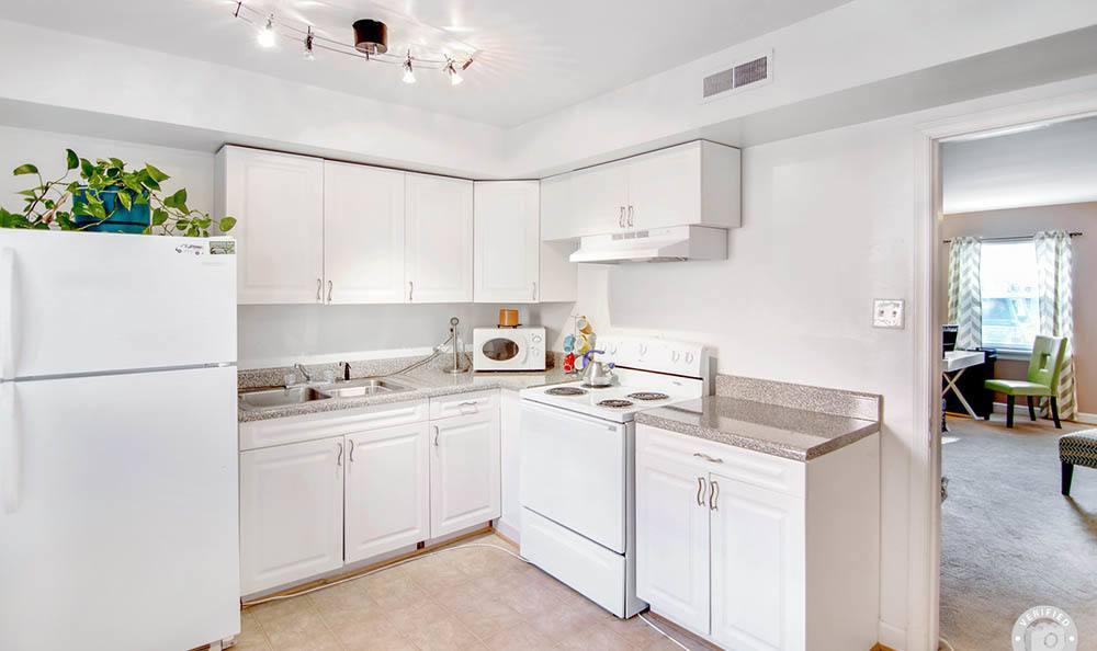 Kitchen at Heritage Pointe and Remuda Crossing