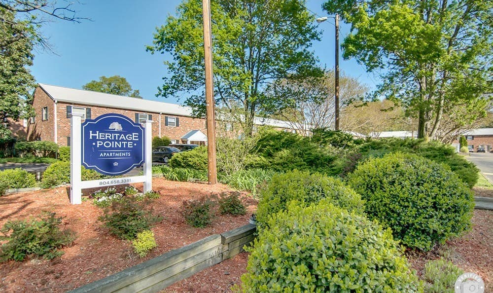 Heritage Pointe and Remuda Crossing community entrance