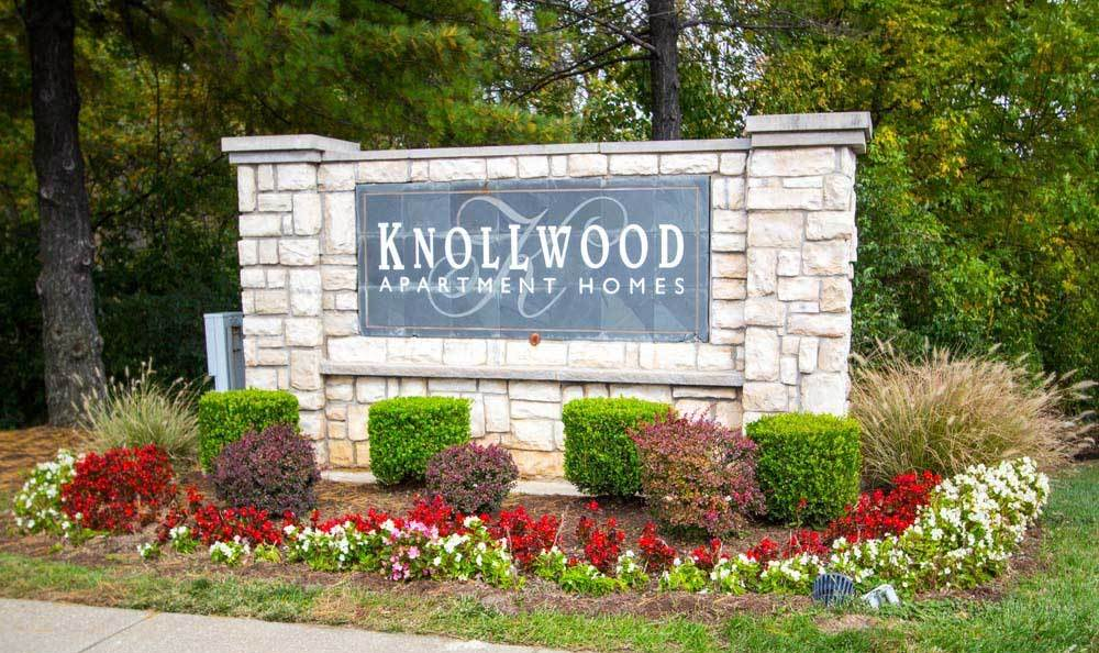 Monument sign at Knollwood Apartments