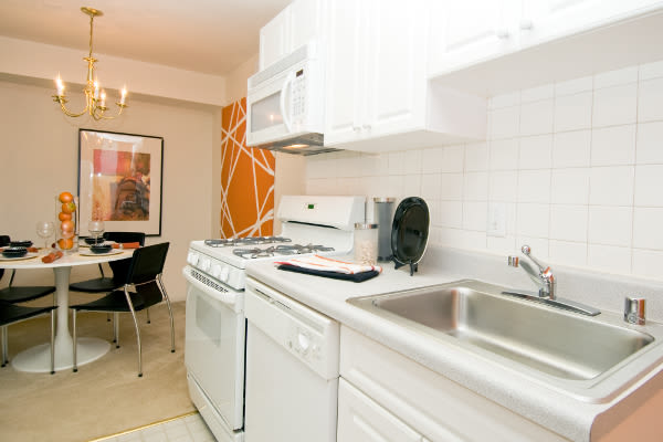 Spacious kitchen at Brookdale at Mark Center Apartment Homes in Alexandria, VA