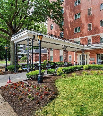 Great neighborhood at Avalon Arms Apartments in Avalon, Pennsylvania