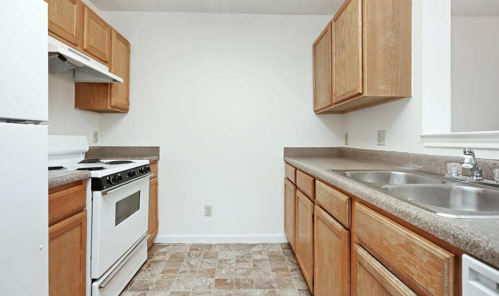 Greens of Northglenn Apartments offers a beautiful kitchen in Northglenn, Colorado