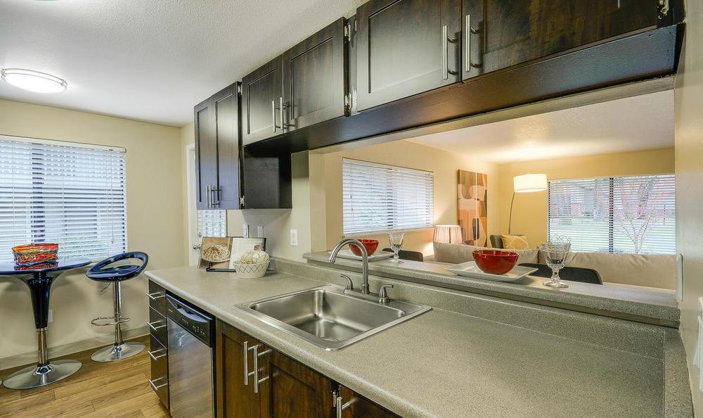 Grill At Arbor Creek Apartments In Beaverton,