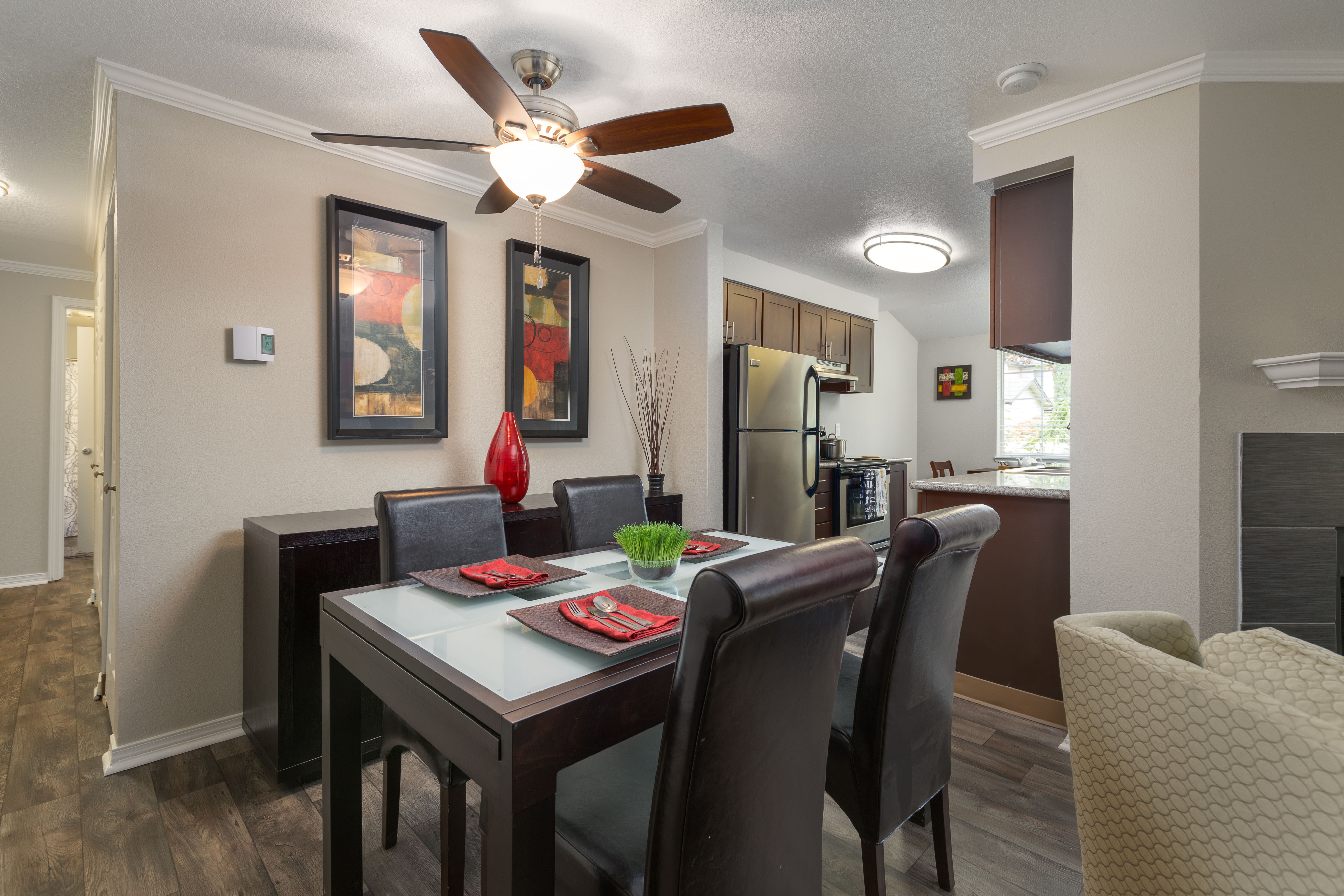 Dining Room at Walnut Grove Landing Apartments in Vancouver, WA