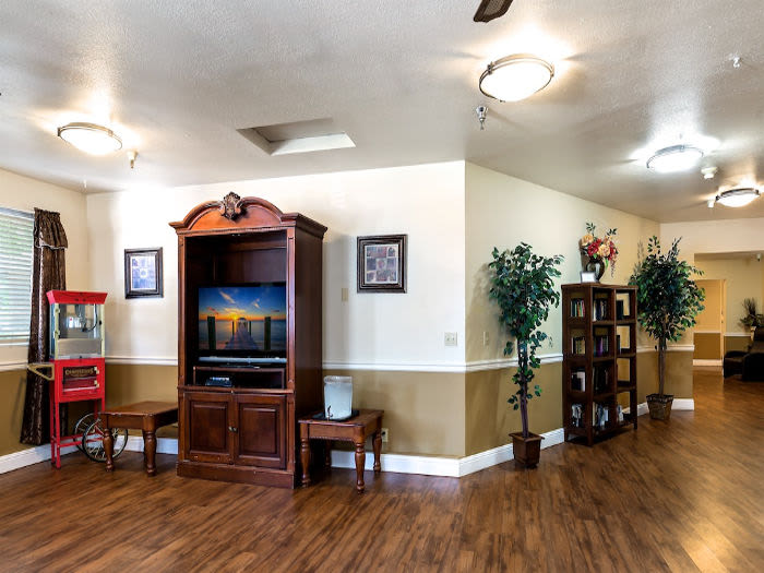 Tv room at Valley Crest Memory Care in Apple Valley, CA