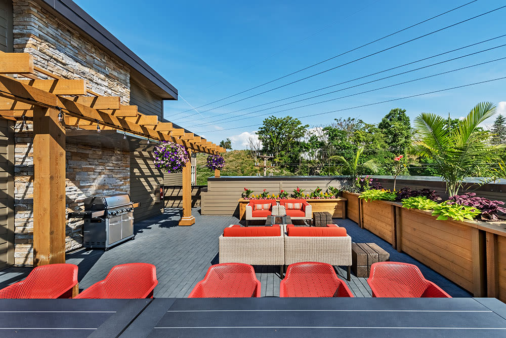 Apartments in Pittsburgh features a barbecue area