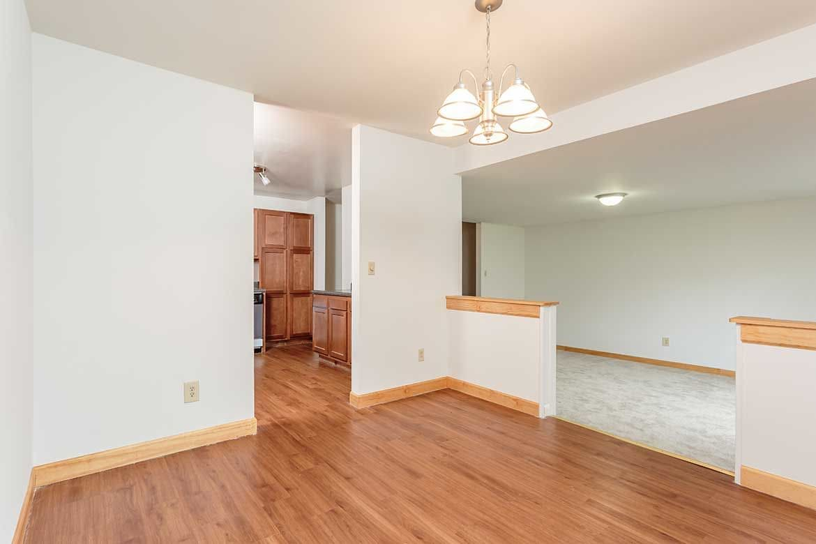 Open floor plan space at Meadowbrook Apartments in Slingerlands, NY