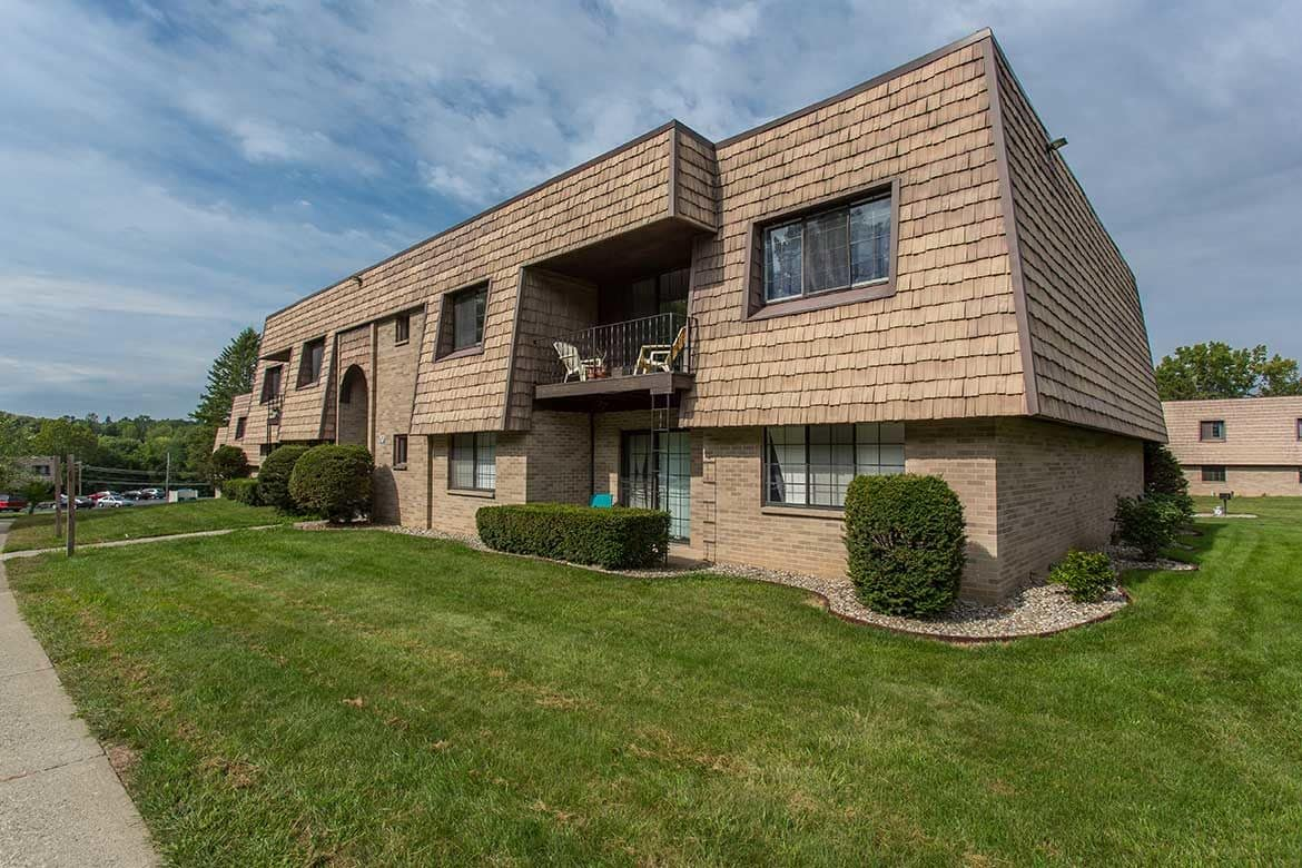 Welcome to your Meadowbrook Apartments home in Slingerlands, NY