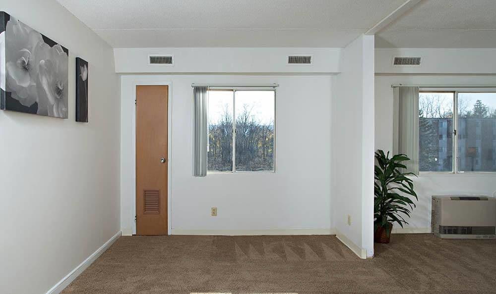 Large living space at Park Guilderland Apartments in Guilderland Center