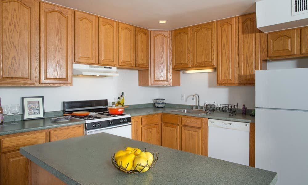 Full-equipped kitchen at Lakeshore Villas in Port Ewen, NY