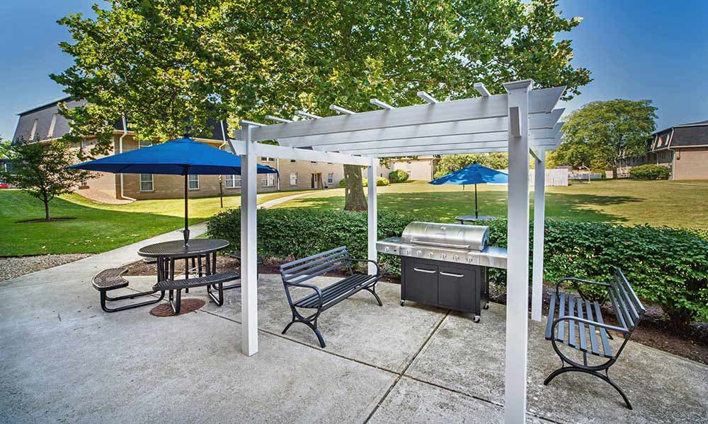 Apartments in Columbus features a barbecue area