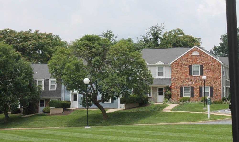 Beautiful landscaping at The Village of Laurel Ridge in Harrisburg