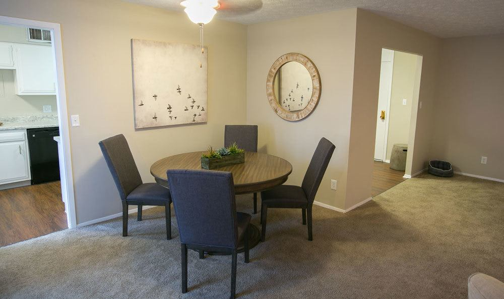 Dining area at Deville Apartments in Beachwood