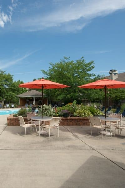 Poolside at Perry's Crossing Apartments in Perrysburg, OH