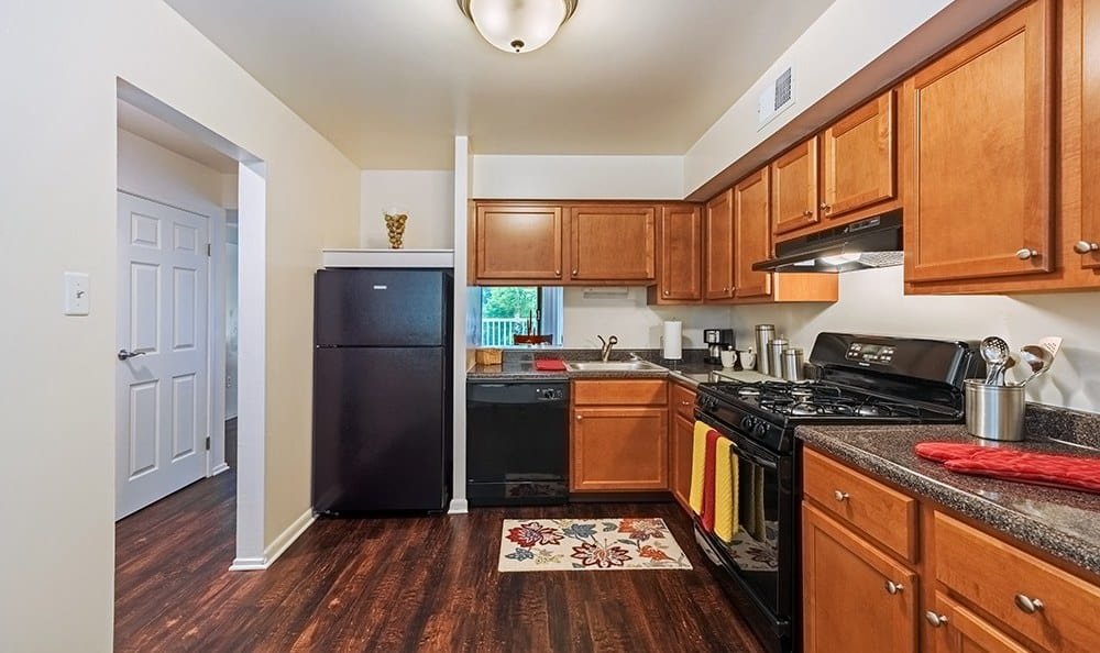 Modern kitchen at The Cascades Townhomes and Apartments in Pittsburgh