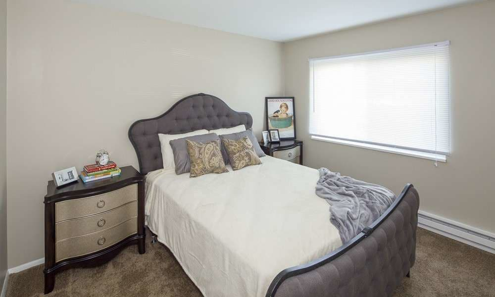 Cozy bedroom at The Summit at Ridgewood in Fort Wayne