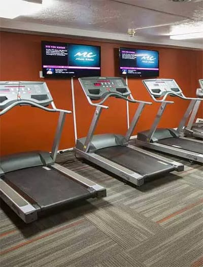 Fitness center at Solon Club Apartments in Oakwood Village, Ohio