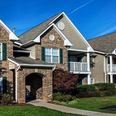 Great neighborhood at Waterford Nevillewood Apartments in Presto, PA