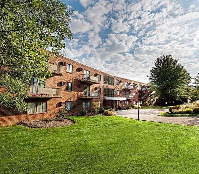 Exterior view of apartments at Westpointe Apartments in Pittsburgh