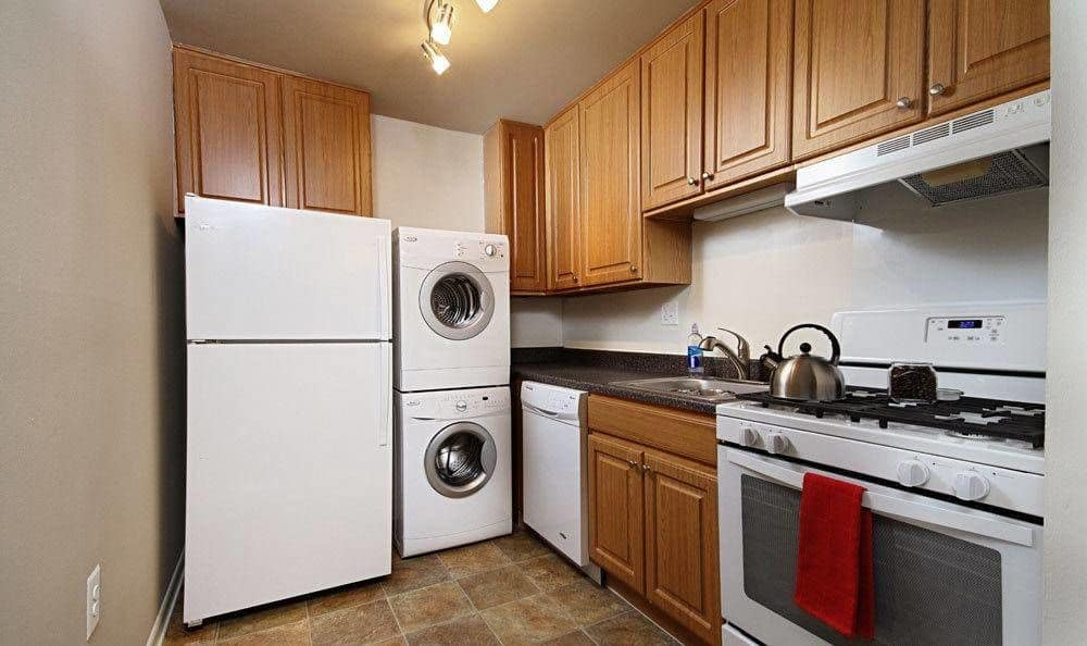 Fully-equipped kitchen at Eagle's Crest Apartments in Harrisburg