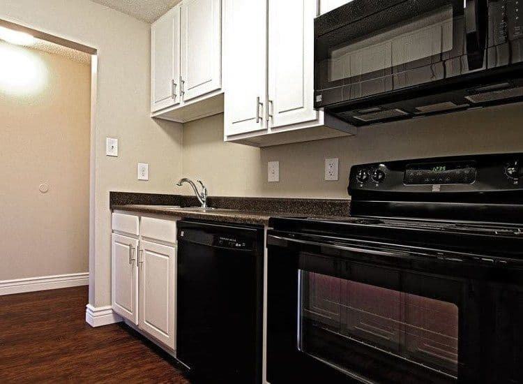 Upgraded kitchen at King's Manor Apartments in Harrisburg, PA