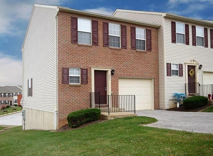 Apartments at Lion's Gate Townhomes in Red Lion, PA