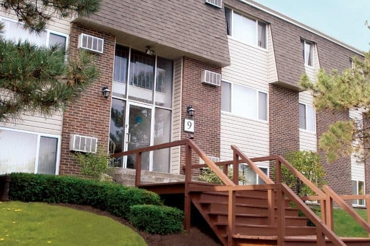 Exterior view of apartment at Highland Club in Watervliet, NY