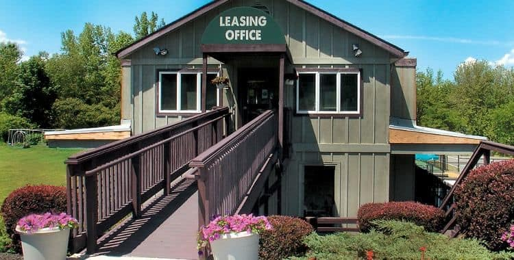 Leasing office at Lakeshore Villas
