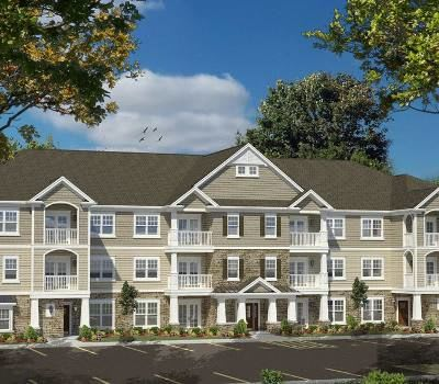 Apartment building view at The Landings at Meadowood in Baldwinsville