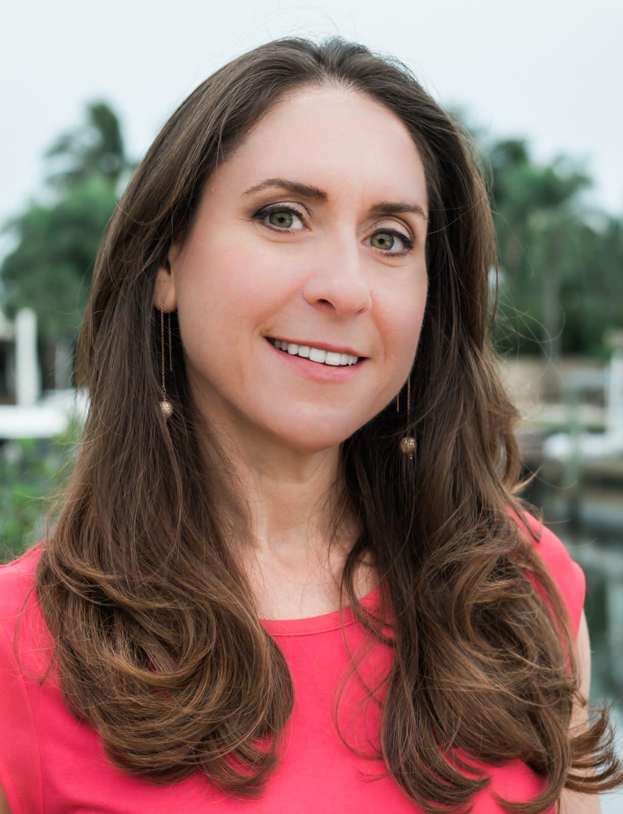 Lori Axler | Director of Marketing