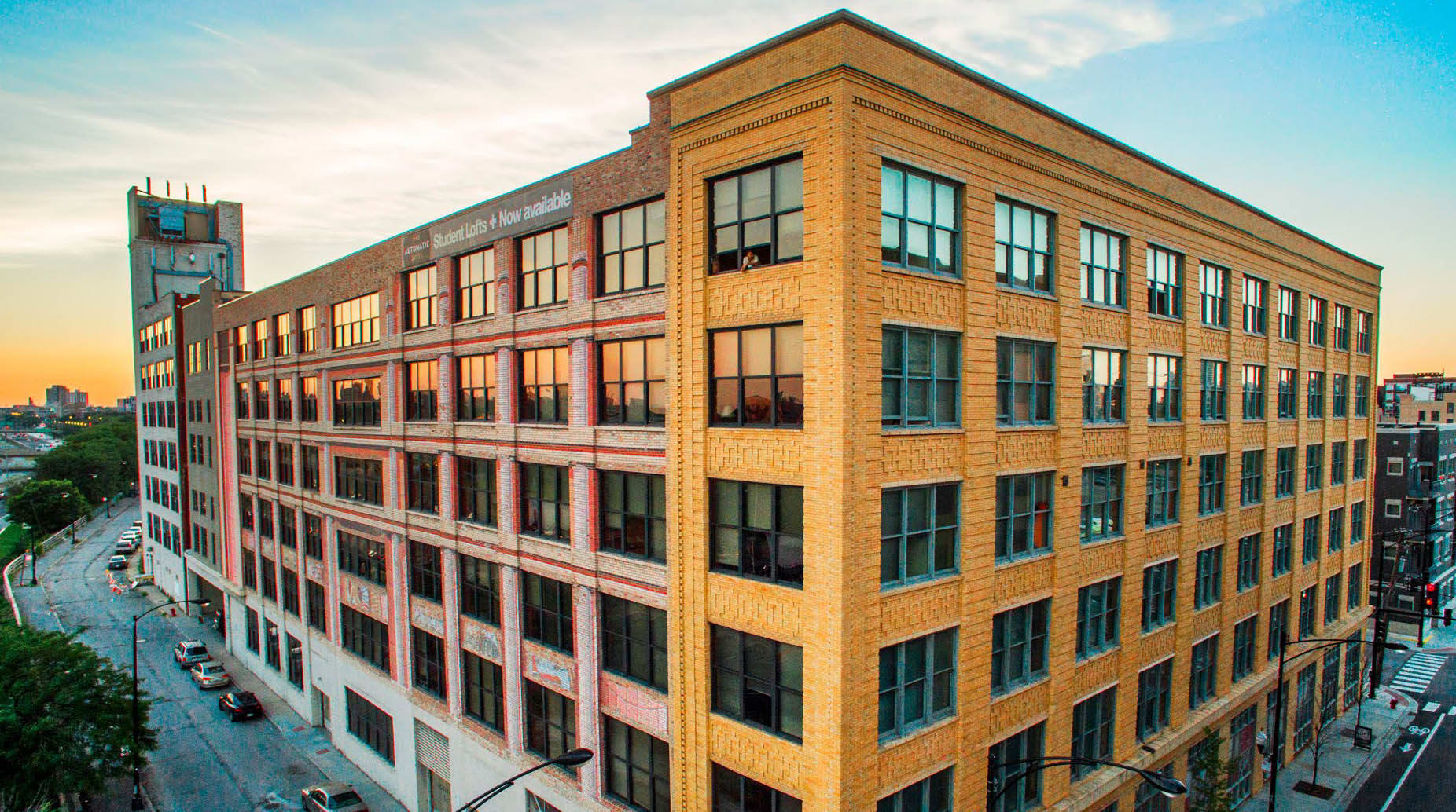 Loft Style Apartments For Rent in Chicago, Illinois