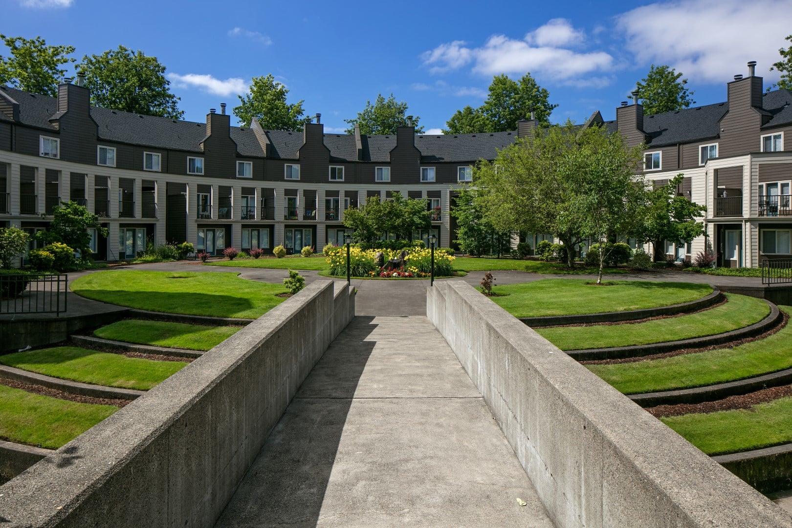 Courtyard at Waterhouse Place in Beaverton, OR