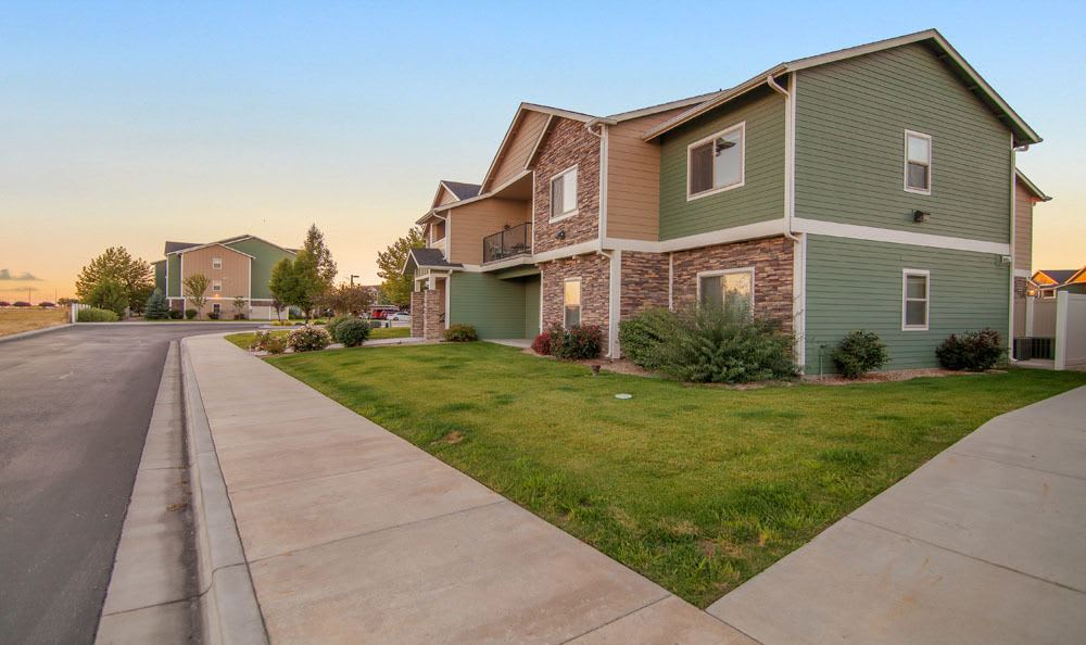 Exterior view of the apartments at Selway Apartments in Meridian Idaho