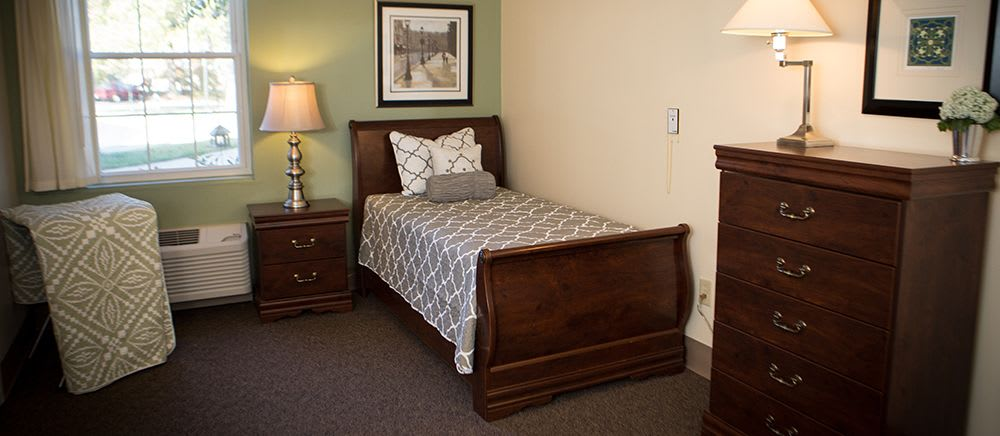 A bedroom at Symphony Manor of Richmond