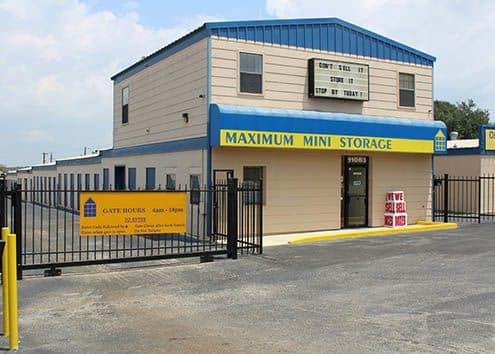Front office of Maximum Mini Storage Perrin Beitel in San Antonio
