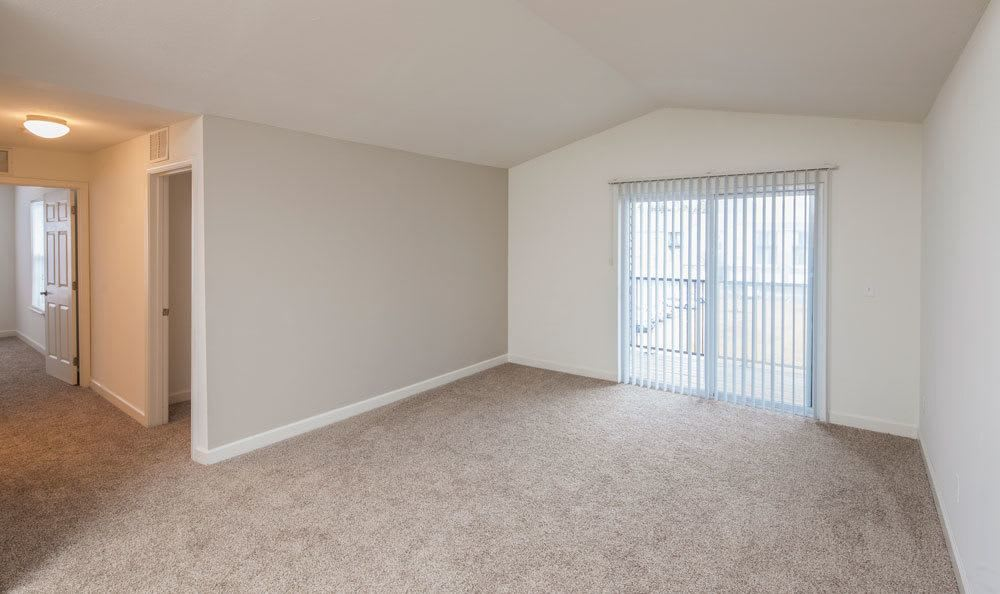 Convenient apartment amenities at Crescent at Wolfchase home in Memphis, TN