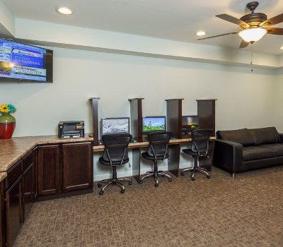 Business center at Crescent at Wolfchase community