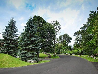 Beautiful landscaping at High Acres Apartments & Townhomes in Syracuse, New York