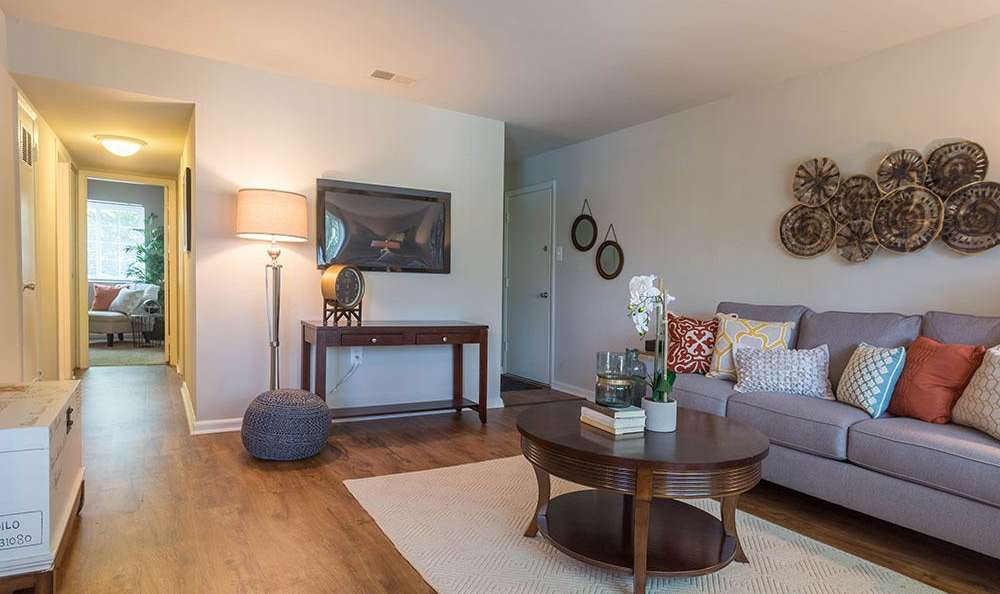 Eagle's Crest Apartments offers a luxury living room in Harrisburg, Pennsylvania