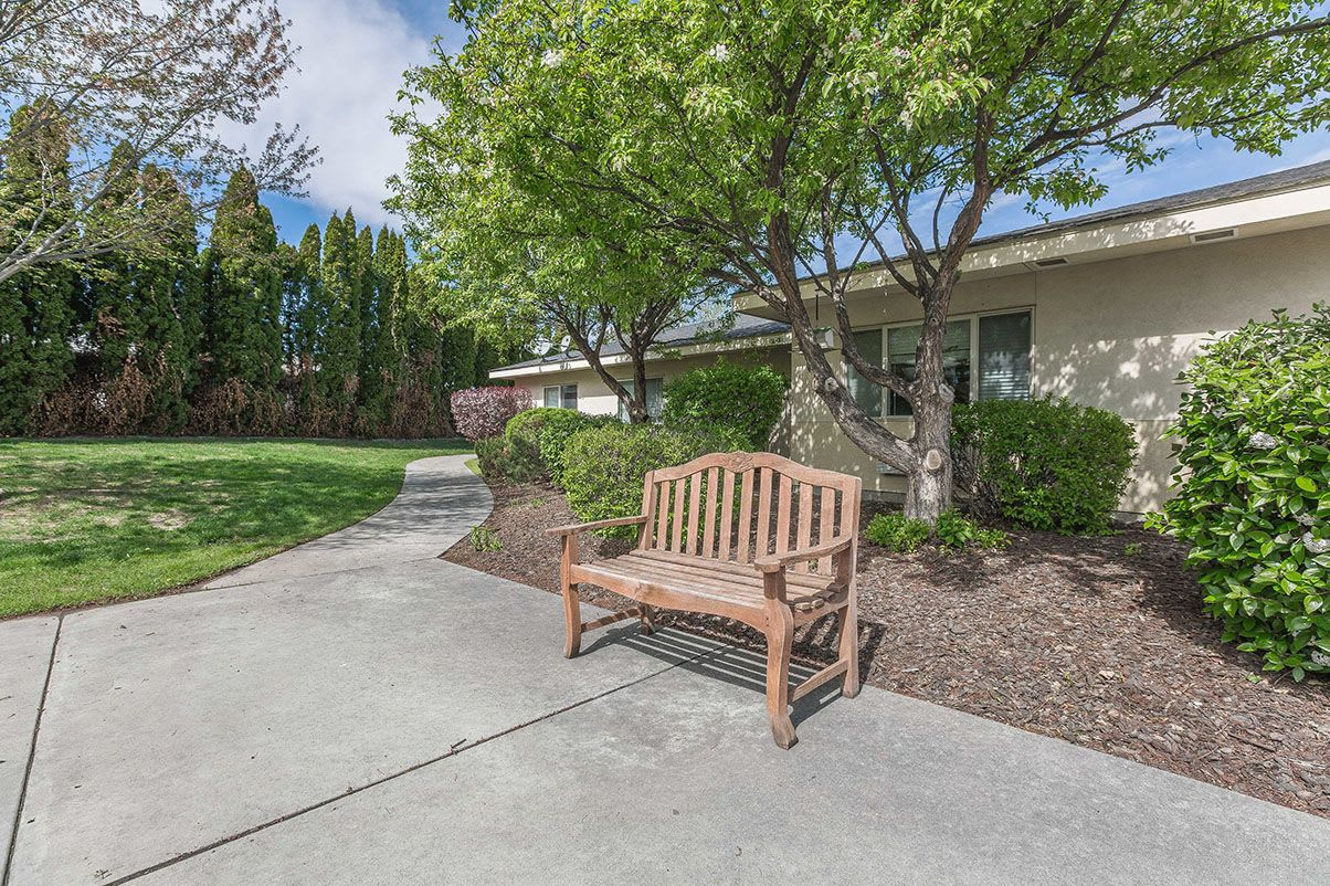 Outdoor bench at Canyon Lakes