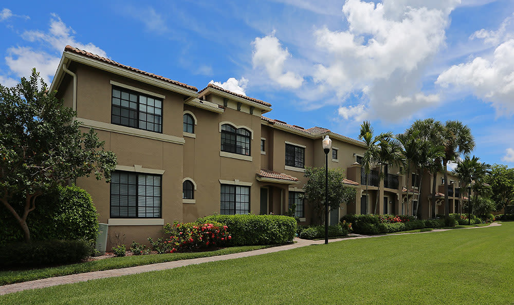 Exterior view of one of our resident buildings at San Merano at Mirasol in Palm Beach Gardens