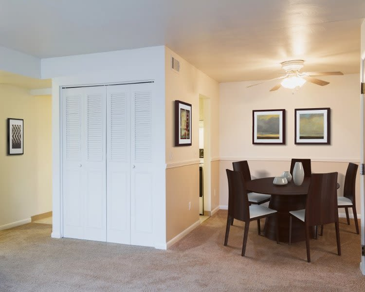 Dining room at Imperial North Apartments