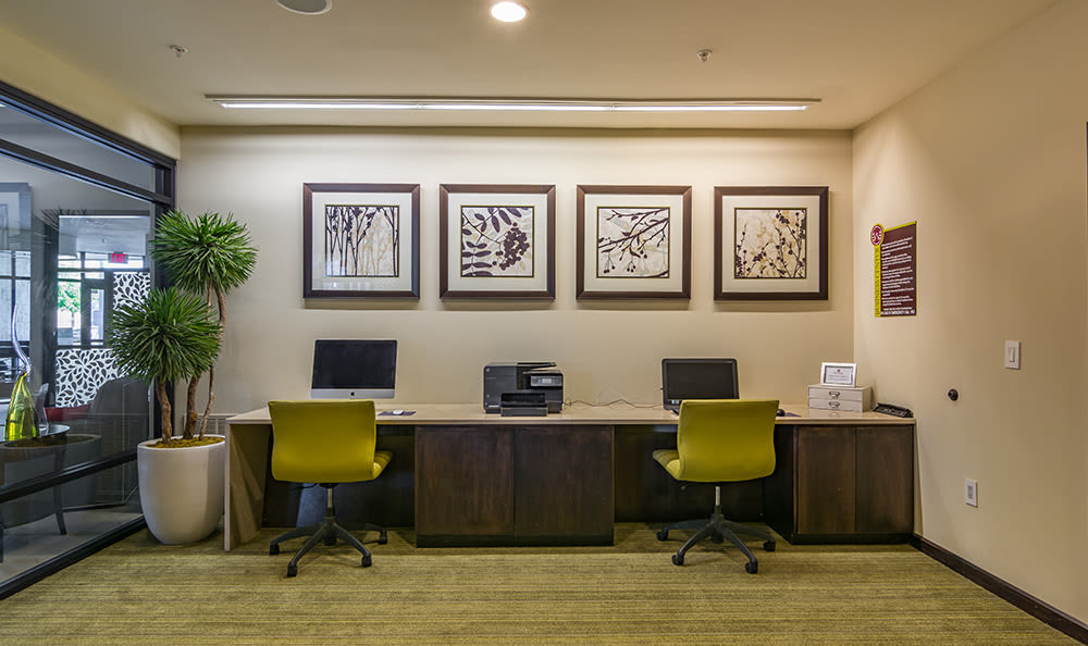 Computer lab for residents at West End at City Center in Lenexa