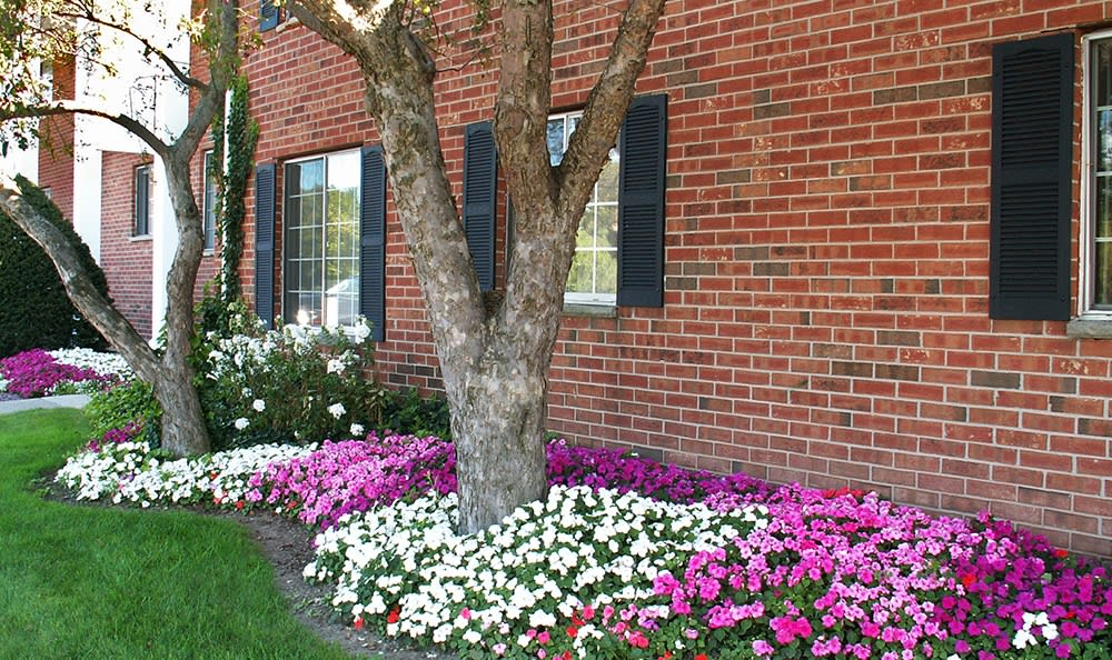 Beautiful garden at Waverlywood Apartments and Townhomes in Webster, NY
