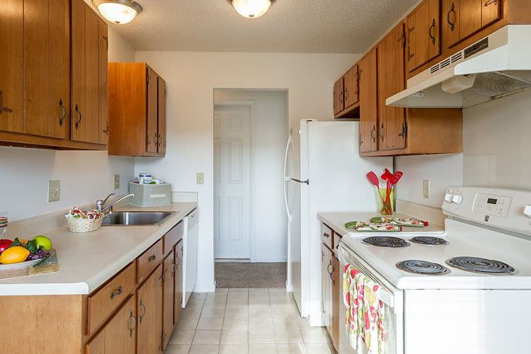 Well-equipped kitchen at Knollwood Manor Apartments in Fairport, New York