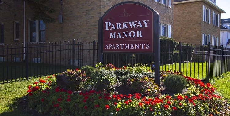 Signage at Parkway Manor Apartments