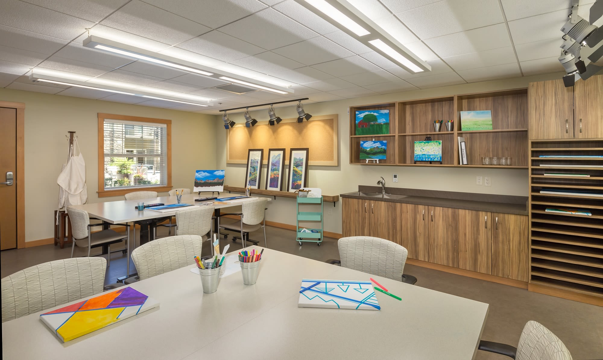 Enjoy the arts in our paint studio at our senior living community in Eugene Oregon