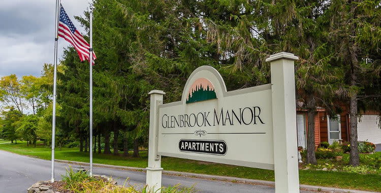 Signage at Glenbrook Manor Apartments