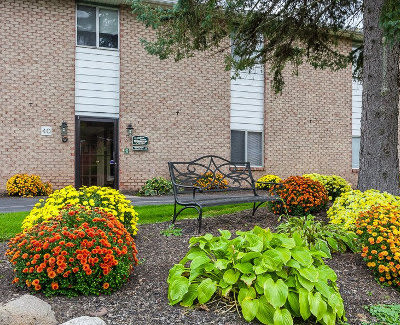 Gorgeous apartments for rent at Glenbrook Manor in Rochester