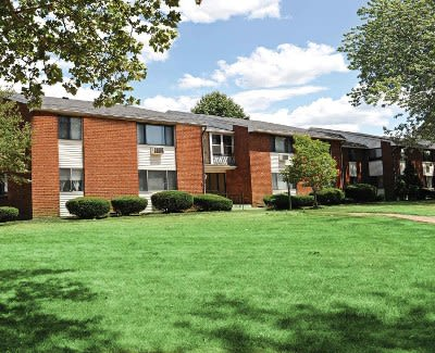 Gorgeous apartments for rent at King's Court Manor Apartments in Rochester